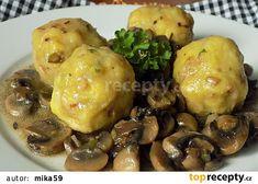 Bramborové knedlíky s klobásou recept - TopRecepty.cz Baked Potato, Menu, Potatoes, Chicken, Baking, Ethnic Recipes, Food, Kochen, Menu Board Design