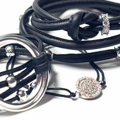 Bijoux Luxetto Bracelets, Headphones, Photos, Wine Gift Sets, Pendant, Boucle D'oreille, Locs, Accessories, Jewels