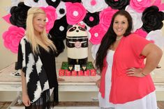 Tori Spelling Throws Daughter Stella A Party For Her 7th Birthday panda cake , cake pops , standing cake, www.facebook.com/sugarpearlbakery www.sugarpearlbakery.com