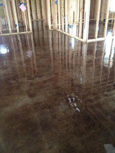 The Best Stained Concrete - Lafayette Louisiana - Old World Concrete Design Basement Gym, Basement Flooring, Basement Remodeling, Plywood Floors, Flooring Ideas, Laminate Flooring, Diy Flooring, Floor Stain, Epoxy Floor