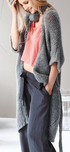 Dziana Moda: Dwa długie swetry na drutach