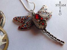 Collier avec pendentif collier de Steampunk Steampunk Gaudi Libellule montre Mécanisme en rouge - bijoux Steampunk par Steamretro