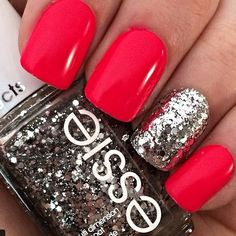 Red nails. Glitter. Silver. Essie polish. Nail art. Nail design. Romantic.