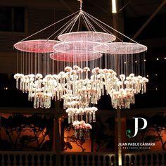 Floral chandelier @juanpablocamarapf