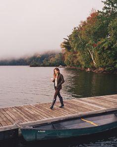 Fall mornings like this #hellofall #fallmorning #lakeside #weekendmoments #gmgtravels #foggymorning