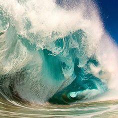 Stunning wave