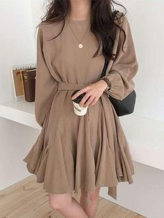 Korean Fashion Dress, Korean Street Fashion, Ulzzang Fashion, Cute Casual Outfits, Pretty Outfits, Pretty Dresses, Teen Fashion Outfits, Fashion Dresses, Mode Ulzzang