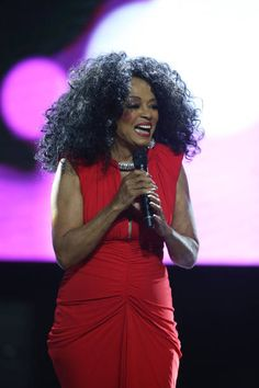 """Singer Diana Ross performs on stage during the 2019 World AIDS Day Concert """"Keep the Promise"""" of AIDS Healthcare Foundation at The Bomb Factory on November 2019 in Dallas, Texas. Get premium, high resolution news photos at Getty Images Keep The Promise, World Aids Day, Lifetime Achievement Award, Video Site, Diana Ross, Motown, Stock Pictures, Royalty Free Photos, Documentaries"""