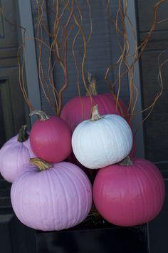 Pretty pink pumkins. My kind of Fall decorating.