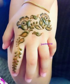 Get your child ready for the special occasions with these selected list of latest arabic mehndi designs for kids for their small hands and legs. Mehandi Designs For Kids, Latest Arabic Mehndi Designs, Eid Mehndi Designs, Stylish Mehndi Designs, Mehndi Designs For Beginners, Wedding Mehndi Designs, Mehndi Design Images, Heena Design, Floral Henna Designs