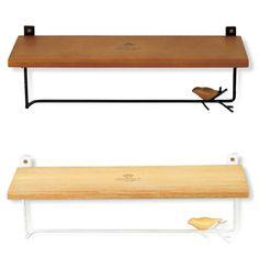 タオルハンガー<商品説明>簡単に壁に取付けられるシェルフ付きタオルハンガー。鳥がとまったアイアン部分は本物の枝の様な加工が施され、ナチュラルな雰囲気を一層引き立てています。シェルフにはお気に入りの雑貨などを飾って。<商品詳細>■付属品:※ネジ付■サイズ:310(幅)×90(奥行)×95(高さ)mm■素材:ジェミリーナウッド・アイアン■アンティーク仕上について:アンティーク仕上とは、長く使い込んだ様なアンティーク感を出すために、あえて色にムラや掠れを出し、仕上げる技法です。カラー名に「Antique」の表記があるものは、このアンティーク仕上げが施されています。<ご案内>3-7営業日での発送 ※ご入金確認後の発送手配となります。やむを得ず在庫切れの場合もございます。予めご了承下さい。<関連ワード>タオルハンガー タオル掛け タオルかけ タオルホルダー シェルフ付タオル掛け インテリア雑貨 ウォールシェルフ 飾り棚 飾りたな 壁掛け収納 壁掛け棚 壁掛けラック おしゃれ 可愛い かわいい キュート 北欧 ナチュラル 洗面所 アンティーク風 アイアン 木製棚付き 鳥 バード ネジ付き
