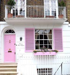 prettiest places in london: fourteen trevor square, knightsbridge