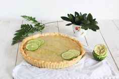 Lime pie with coconut crust Lime Pie, Hummus, Camembert Cheese, Coconut, Ethnic Recipes, Blog, Diy, Key Lime Pie, Sweet Pie