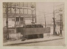 Urinoir des Halles Centrales ©Louis Emile Durandelle/Archives de Paris