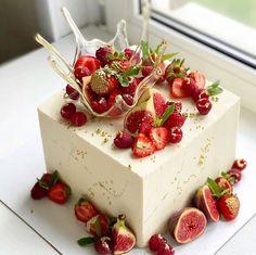 Cake Decorating Piping, Cake Decorating Videos, Beautiful Cake Designs, Beautiful Cakes, Dumbo Cake, Sweets Cake, Food Humor, Cake Art, No Bake Cake