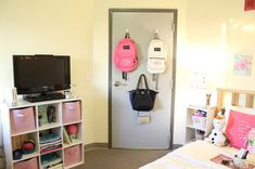 dorm room ideas Are you looking for college dorm organization ideas? This post shows you 8 genius ways to have the most organized dorm on campus. Dorm Room Closet, Dorm Room Storage, The Doors, College Dorm Organization, Organization Ideas, Storage Ideas, Bathroom Organization, Storage Hacks, Shelf Ideas