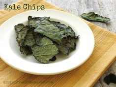 Kale Chips ~ Recipe from The Gluten-Free Homemaker Healthy Snacks, Healthy Eating, Clean Eating, Making Kale Chips, Kale Chip Recipes, Vegetarian Recipes, Healthy Recipes, Food Tasting, Safe Food