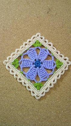 かぎ針編み コサージュ付き小物DN2の画像   野の花手芸噺