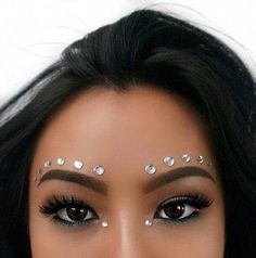 Image about fashion in Thug by Rose Du Bitume Music Festival Makeup Bitume Fashion image Rose Thug Music Festival Makeup, Festival Makeup Glitter, Glitter Makeup, Sparkly Makeup, Glitter Hair, Festival Make Up, Festival Style, Festival Outfits, Festival Face Gems