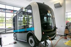 This autonomous, 3D-printed bus starts giving rides in Washington, DC today