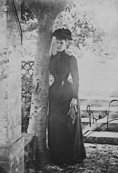 Princess Mary of Teck,later Queen consort of the United Kingdom . . .look at that tiny waist