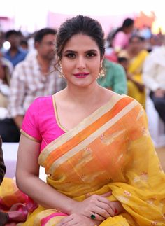 Zarine Khan Beautiful Images in Saree Indian Actress Hot Pics, Most Beautiful Indian Actress, Beautiful Actresses, Indian Actresses, Indian Bollywood, Bollywood Actress, Hindi Actress, Pakistani, Zarine Khan Hot