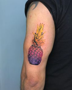 LEANDRO CINICO pineapple tattoo Pineapple Tattoo, South America, Cool Tattoos, Watercolor Tattoo, Tatting, Ink, Instagram, Tattoo Female, Coolest Tattoo