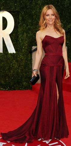 Leslie Mann in Versace: Not only is she gorgeous, but that dress is amazing.