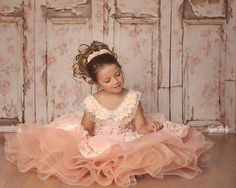Distressed to Impress ~ Love this Photography Backdrop from Baby Dream Backdrops.