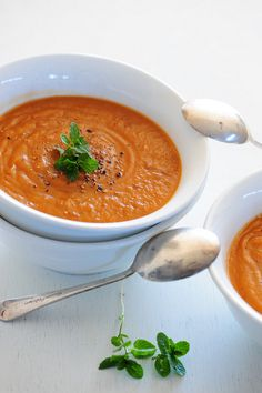 Sweet Potato & Roasted Red Pepper Soup (#vegan #paleo #glutenfree)