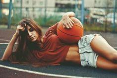 Фотосессия на баскетбольном поле