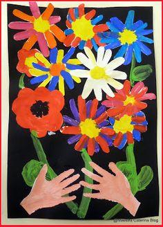 Maestra Caterina - Mani con bouquet di Pablo Picasso. Festa della Mamma