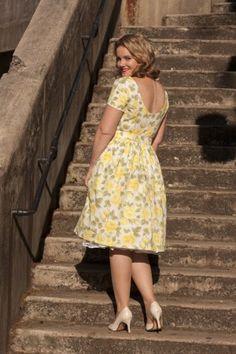 Pattern mash up - Simplicity 1873 bodice, Vogue 8723 skirt pattern.