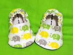 Elephant Baby Booties Newborn Infant Baby by CharliesGiraffe