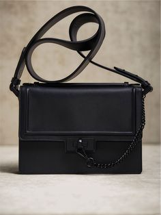 Spring Summer 2017 Women´s LIMITED EDITION LEATHER CROSSBODY BAG WITH LOBSTER CLASP DETAIL at Massimo Dutti for 2299. Effortless elegance!