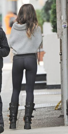 Kate Backinsale... Great back...