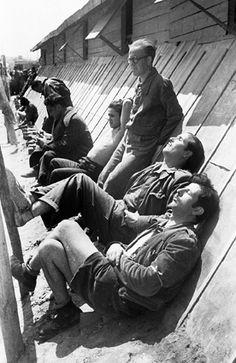 Camp de réfugiés de Bram 1939 /Photographer #Fotografía Agustí Centelles i Ossó