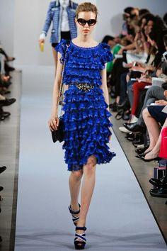 Oscar de la Renta New York - Pre-collezioni Primavera Estate 2013 - Vogue Foto Fashion, Blue Fashion, I Love Fashion, Runway Fashion, High Fashion, Fashion Design, Fashion 2017, Couture Fashion, Vogue