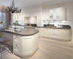 U-Form Küche - 35 Designideen für Ihre moderne Kücheneinrichtung ... | {Küchen u form modern 77}