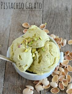 Pistachio Gelato the most delicious 6 ingredient combo ever! Love anything pistachio! Cold Desserts, Ice Cream Desserts, Frozen Desserts, Ice Cream Recipes, Frozen Treats, Delicious Desserts, Dessert Recipes, Pistachio Gelato, Pistachio Ice Cream