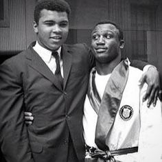 Muhammad Ali & Joe Frazier together during Olympic Boxing (when Joe was A Member of The Team). Who Knew Years Later These Friends would become staunch Rivals & put on three of the Greatest Heavyweight Fights of ALL TIME! Mike Tyson, Kickboxing, Muay Thai, Muhammad Ali Boxing, Laila Ali, Photo Star, Boxing History, Float Like A Butterfly, Boxing Champions