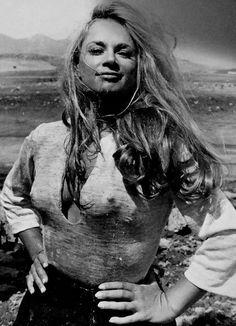 Αλίκη Βουγιουκλάκη Young Marilyn Monroe, Marilyn Monroe Photos, David And Victoria Beckham, Pose Reference Photo, Old Movie Stars, Ancient Beauty, Classic Actresses, Classic Hollywood, Hollywood Star