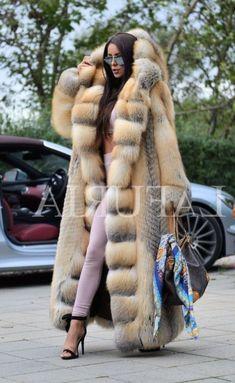 Nadire Atas on Fur in Fashion Fur Fashion, Winter Fashion, Womens Fashion, Long Fur Coat, Faux Fur Coats, Mink Coats, Fabulous Furs, Fox Fur, Winter Wear