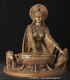 DA SÉRIE PANTEÃO DAS DEUSAS - CERRIDWEN A Deusa Cerridwen está associada à Deusa Hera, cuja origem se dissolve no tempo.  Personificada como virgem, mãe e anciã, ela é o redondo que tudo envolve. O Caldeirão simbolizaria, portanto, o útero da Deusa Mãe. Da página Tradições-Mitologia-Ícones-Holismo