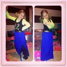 DIY Frozen Anna Dress. Easy dress up clothes.