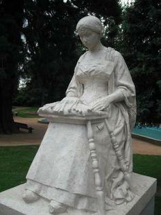 """Souvenir de l'école de dentelière """"Gergovia"""" au début du XXème siècle. www.sejours-issoire.com"""