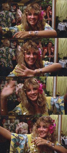 Stevie having fun in Hawaii, December 1977 Buckingham Nicks, Lindsey Buckingham, Stephanie Lynn, Stevie Nicks Fleetwood Mac, Forever, Celebs, Celebrities, Look Cool, Rock And Roll