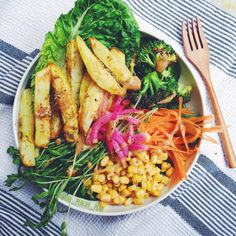 the-peachy-pear:  A simple chippy+salad combo with some turmeric-tahini sauce