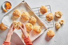 Fruchtige Zvieri Brötli - Rezepte | little FOOBY Stay Fit, Healthy, Desserts, Food, Mise En Place, Dried Apricots, Kid Recipes, Dessert Ideas, Food Food
