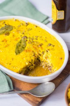 Among the list of most popular African recipes is bobotie, recognized as South Africa's national dish. South African Dishes, South African Recipes, Ethnic Recipes, Mince Recipes, Beef Recipes, Curry Recipes, Bobotie Recipe South Africa, African Peanut Stew